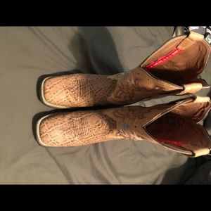 Women's square toe cowboy boots